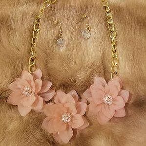Dainty Salmen/Peach 3D flower Necklace set